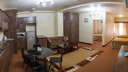 هتل آپارتمان پلاس قشم سوئیت یک خوابه چهار تخته 2