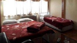 مهمانسرای مهر آذین تهران اتاق سه تخته 2