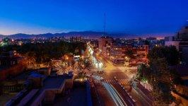 محوطه هتل مشهد در شب