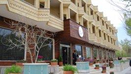 نمای بیرونی هتل اسپادانا