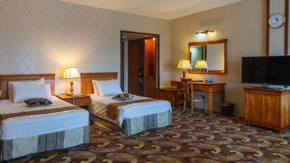 هتل پارمیس کیش اتاق دو تخته تویین