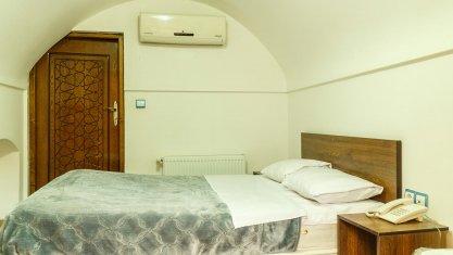 هتل سنتی فیروزه یزد اتاق دو تخته دابل 1