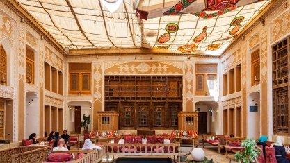 هتل آنتیک ملک التجار یزد فضای داخلی هتل