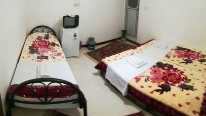 اقامتگاه بومگردی ترنجستان شیراز اتاق سه تخته