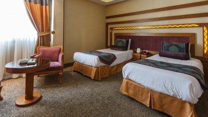 هتل آریوبرزن شیراز اتاق دو تخته تویین 1
