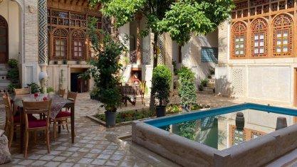 اقامتگاه سنتی ایران مهر شیراز فضای داخلی اقامتگاه
