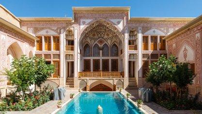 هتل مهینستان راهب کاشان فضای بیرونی هتل 1