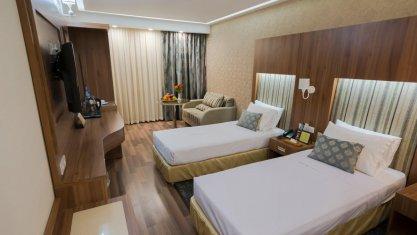 هتل پارسیان آزادی همدان اتاق دو تخته تویین 1