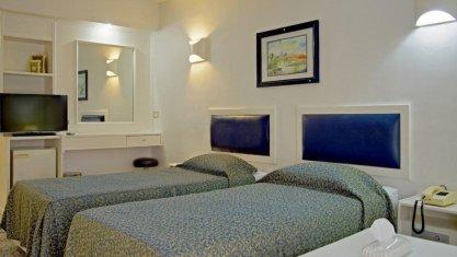 هتل اترک مشهد اتاق دو تخته تویین 1