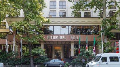 هتل اسپیناس بلوار تهران نمای بیرونی