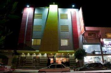 نمای بیرونی هتل سیراف بوشهر