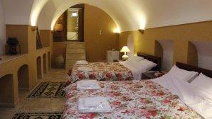 اقامتگاه سنتی خانه سه نیک یزد اتاق چهار تخته کوروش 2