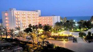 نمای بیرونی هتل هما بندر عباس