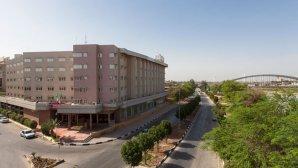 نمای بیرونی هتل پارس