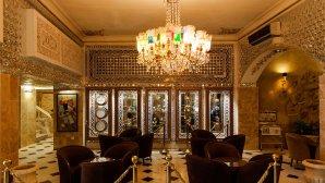 نمایی از لابی هتل جهان