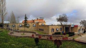 هتل جهانگردی علیصدر همدان نمای بیرونی