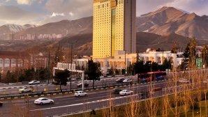 نمای بیرونی هتل پارسیان آزادی تهران