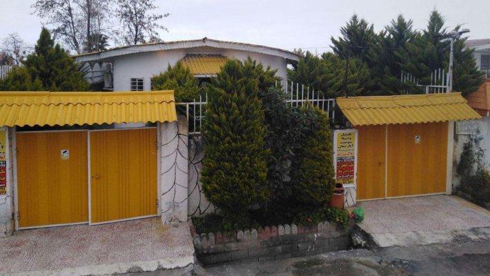 خانه مسافر ساختمان عبداللهی نوشهر فضای بیرونی مهمانسرا