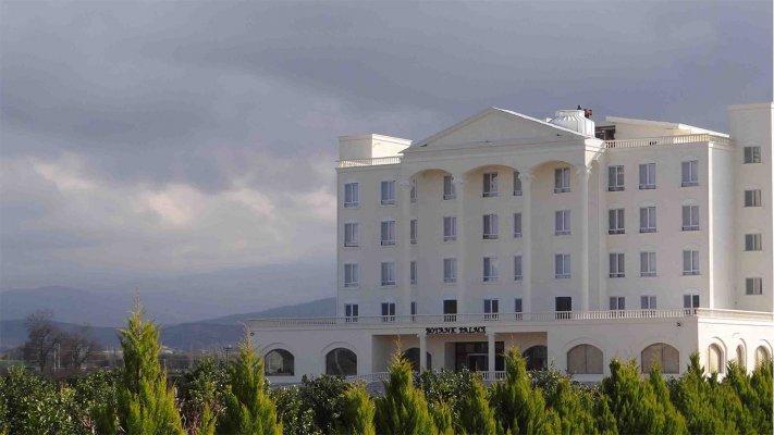 هتل قصر بوتانیک گرگان نمای بیرونی