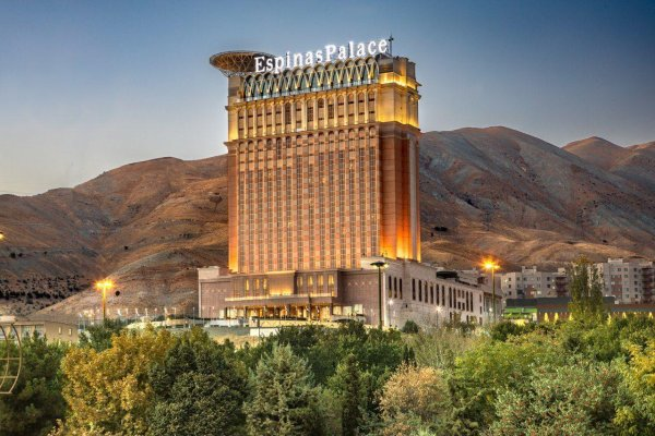 هتل اسپیناس پالاس بهرود تهران نمای بیرونی 2
