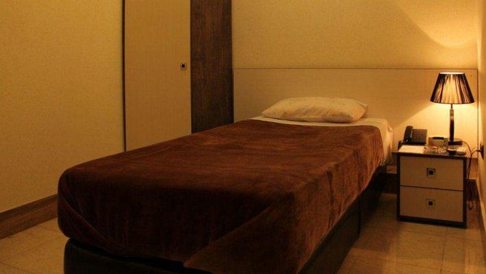 هتل آپادانا بندرعباس اتاق یک تخته