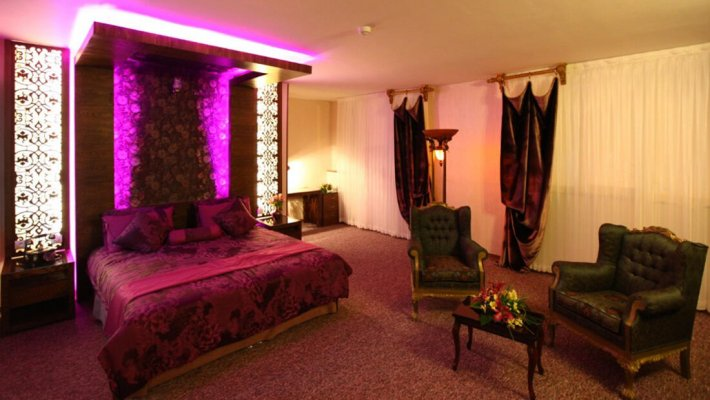 هتل آوین اصفهان اتاق دو تخته دابل رویالهتل آوین اصفهان اتاق دو تخته دابل رویال
