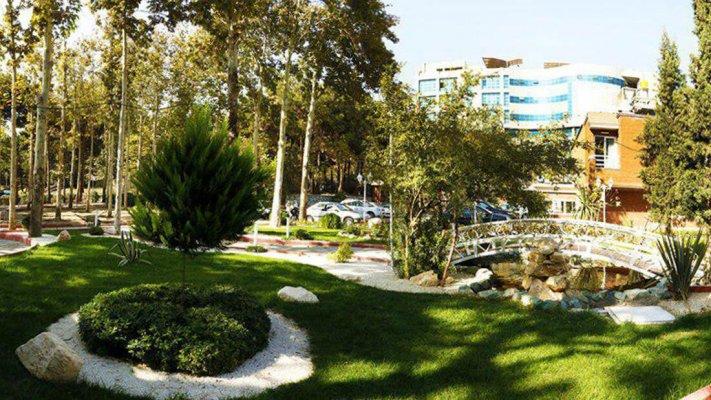هتل بلوط تهران فضای بیرونی هتل 1