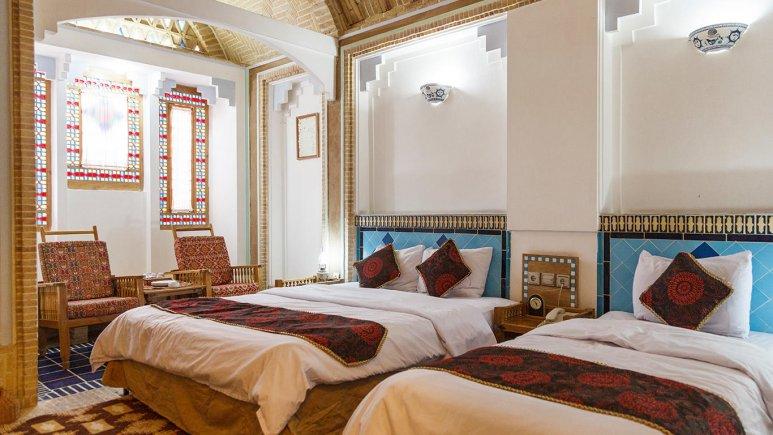 هتل مشیر الممالک یزد اتاق سه تخته 1