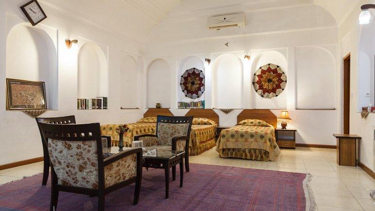 هتل سنتی مظفر یزد اتاق سه تخته 2