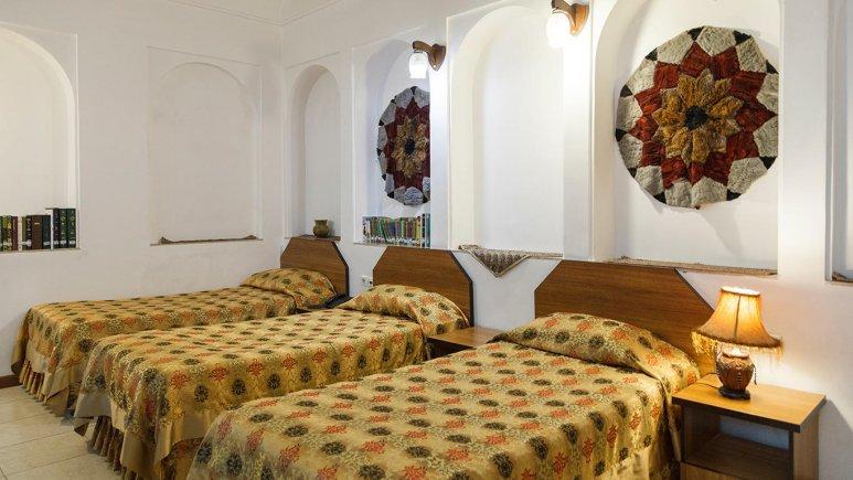هتل سنتی مظفر یزد اتاق سه تخته 3