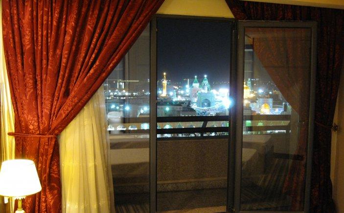 اتاق مشرف به حرم هتل امید