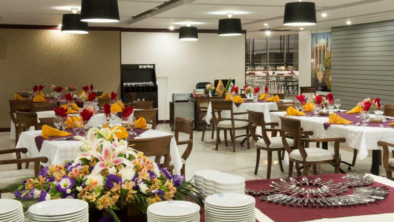 هتل آپارتمان امید مشهد رستوران 1