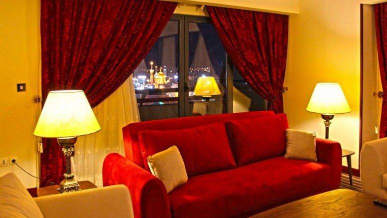 هتل آپارتمان امید مشهد فضای داخلی آپارتمان رو به حرم 2