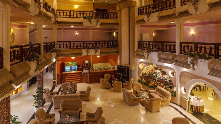 هتل آریان کیش لابی 2