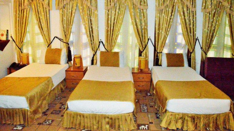 هتل سنتی والی یزد اتاق سه تخته 1