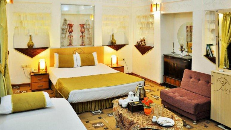 هتل سنتی والی یزد اتاق سه تخته 2
