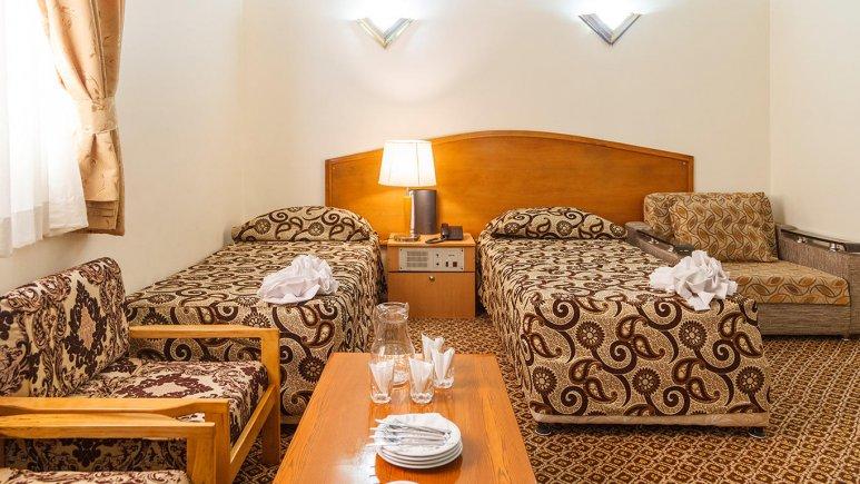 هتل شیراز مشهد اتاق دو تخته تویین 1