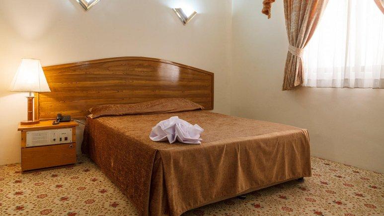 هتل شیراز مشهد اتاق دو تخته دابل 1