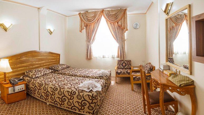 هتل شیراز مشهد اتاق دو تخته تویین 2