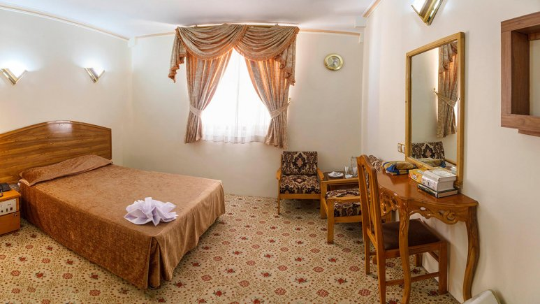 هتل شیراز مشهد اتاق دو تخته دابل 2