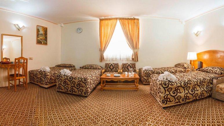 هتل شیراز مشهد اتاق چهار تخته 1