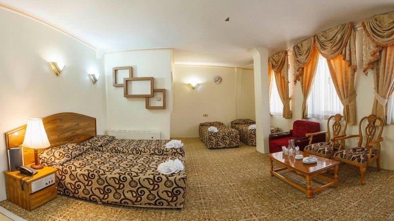 هتل شیراز مشهد اتاق چهار تخته 3