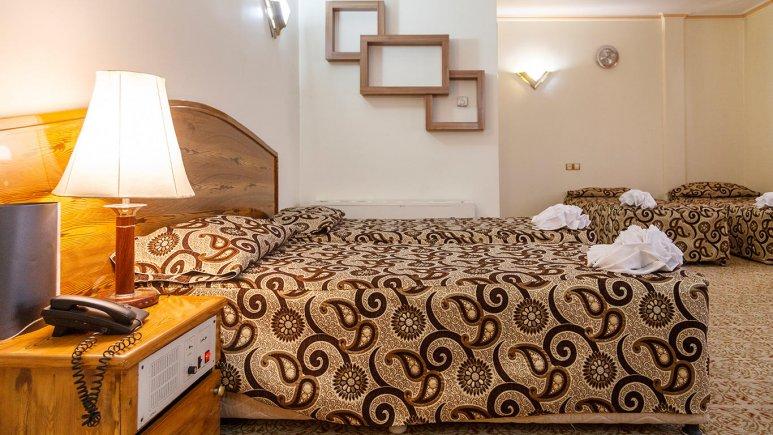 هتل شیراز مشهد اتاق چهار تخته 2