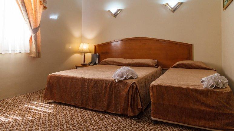هتل شیراز مشهد اتاق سه تخته 1