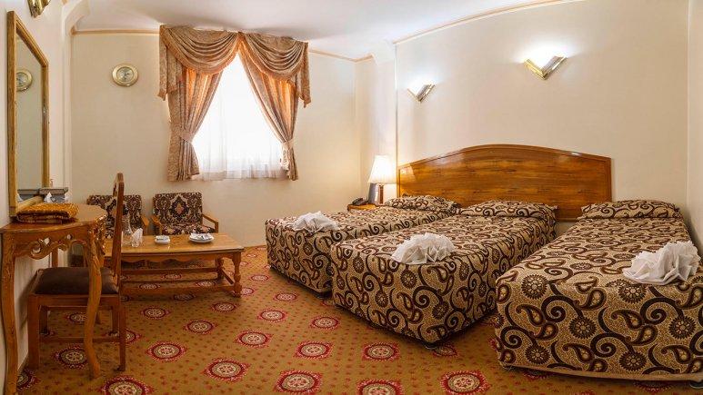 هتل شیراز مشهد اتاق سه تخته 2