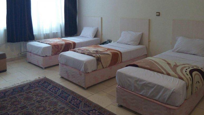 هتل آراد تهران اتاق سه تخته 1