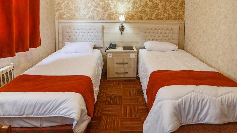 هتل اورین تهران اتاق دو تخته تویین 1
