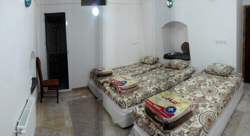 اقامتگاه سنتی ماه بی بی اردکان یزد اتاق سه تخته 4
