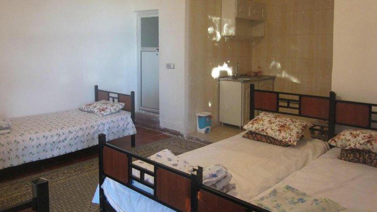 اقامتگاه سنتی باغ گلستان الموت شرقی فضای داخلی سوئیت ها 4