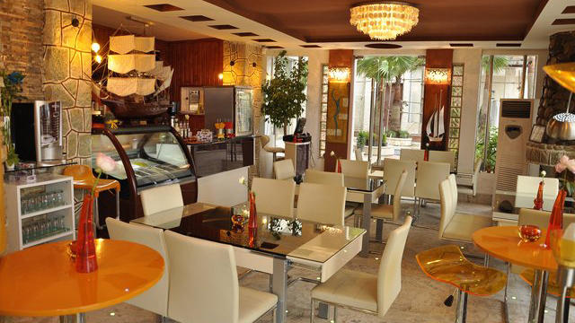 هتل صدف محمود آباد رستوران 2